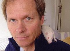 balcombe-with-rat